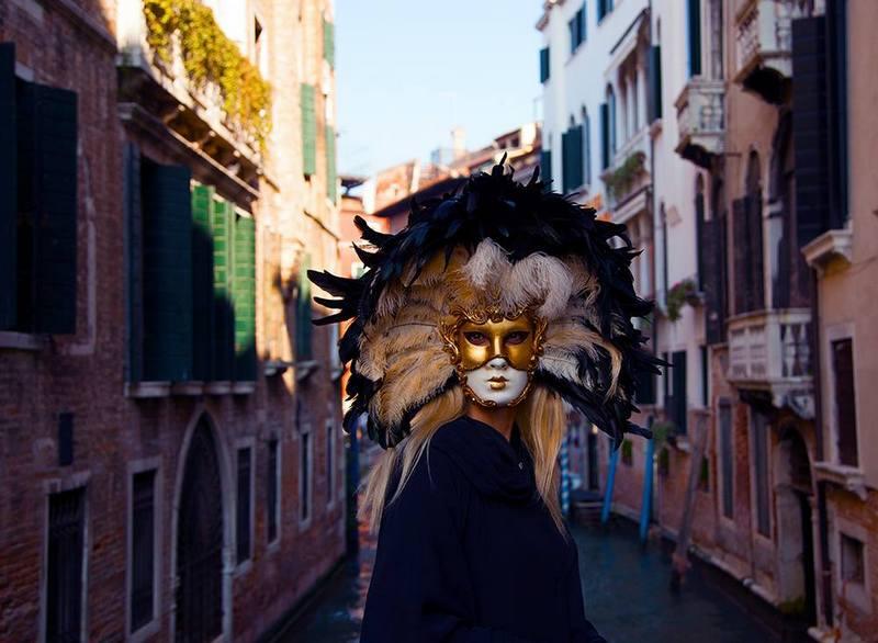 Melissa Mey Venedik Karnavalı