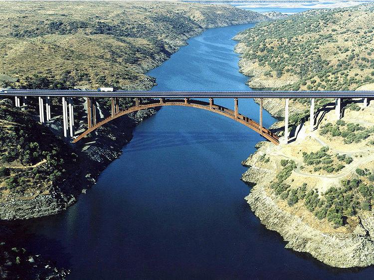 Tajo Nehri Köprüleri