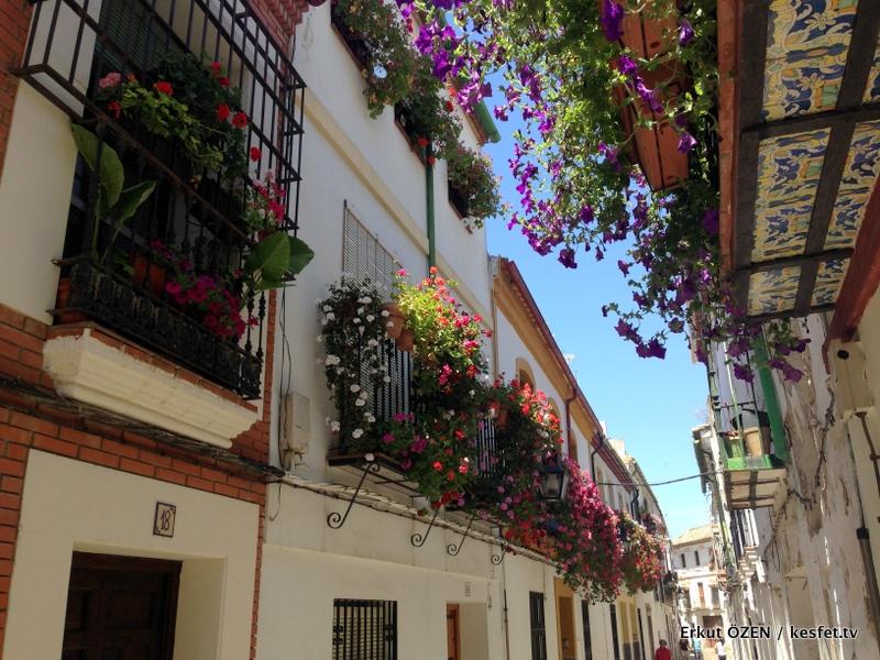 Cordoba gezi rehberi çiçek sokaklar