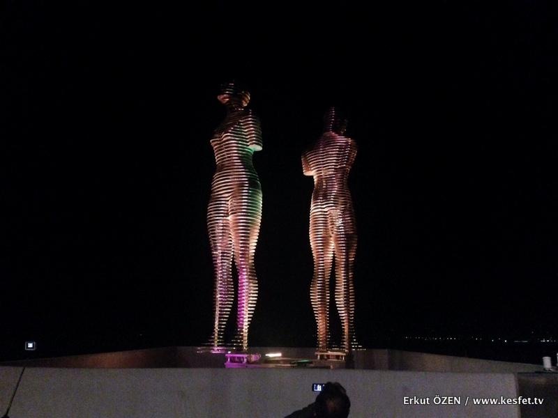 Batum Ali ve Nino heykeli