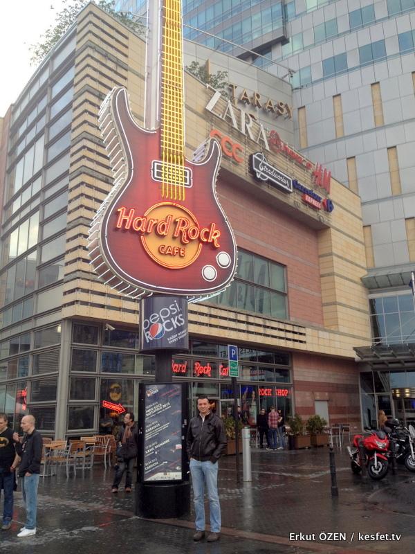 varşova gezilecek yerler hard rock cafe