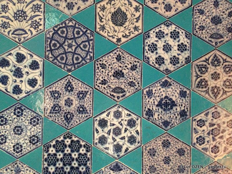 Muradiye Cami Çinileri