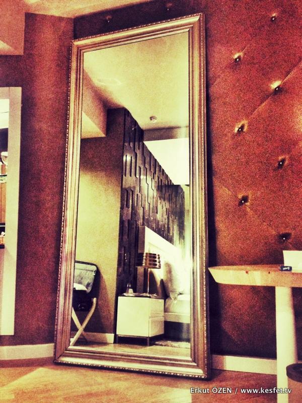 Max Royal Hotel oda ayna