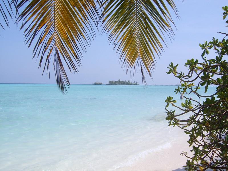Nalaguraidhoo adası Maldivlerin en iyi plajları