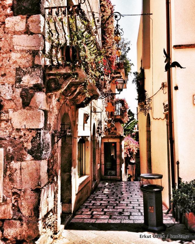 Taormina ara sokaklar
