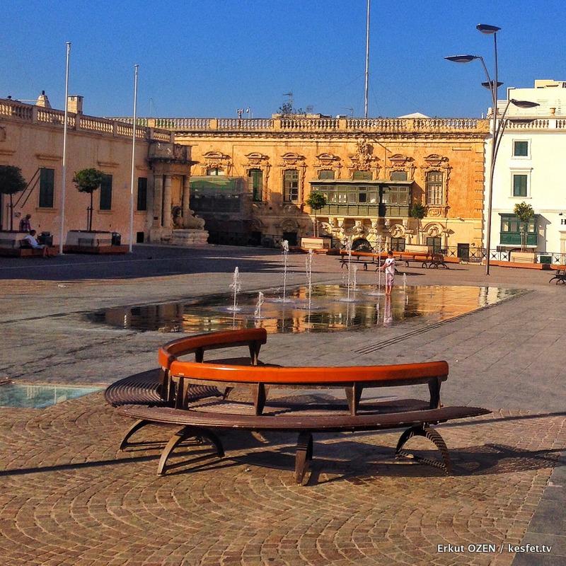 Malta Gezi Rehberi Adım Adım Valletta St George Meydanı