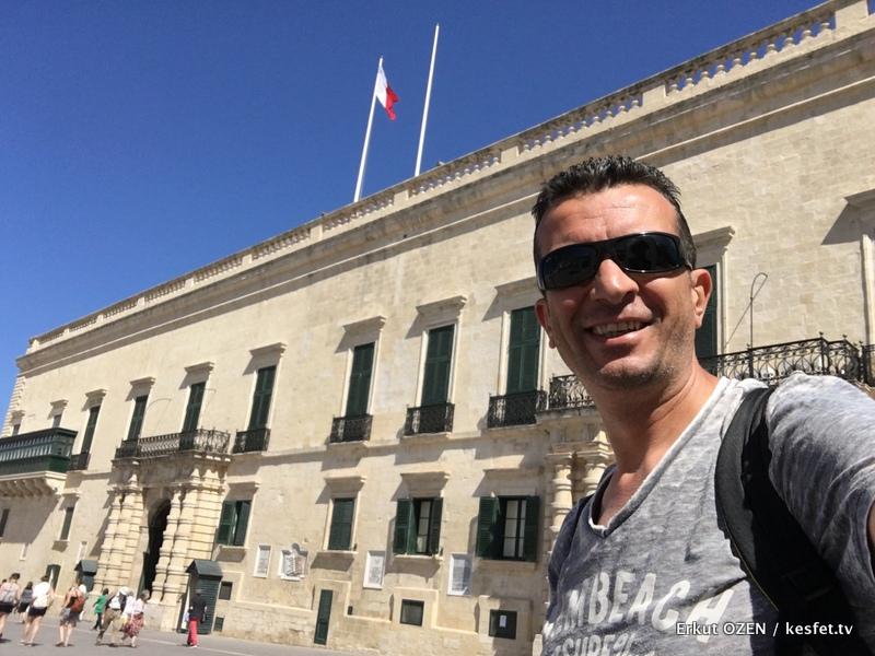 Tur Rehberi Erkut Özen Valleta buyuk ustadlar sarayi 2