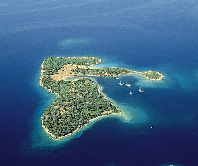 Ağustos Ayında Denize Girilecek En iyi 3 Yer Sedir adasi gokova