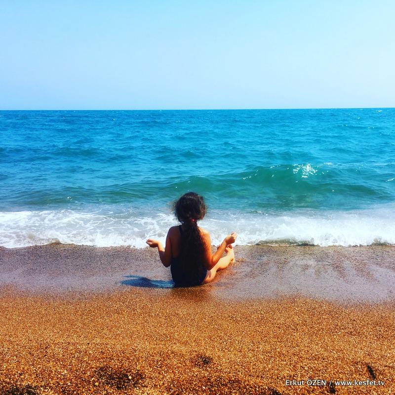baba kız tatili Cocukla tatil sahil kumsal