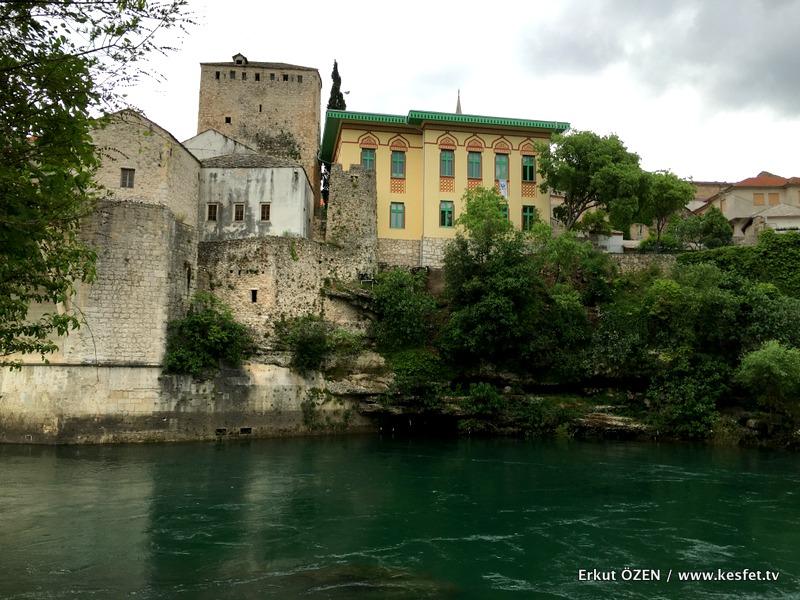 Mostar Gezi Rehberi mostar koprusu kiyi