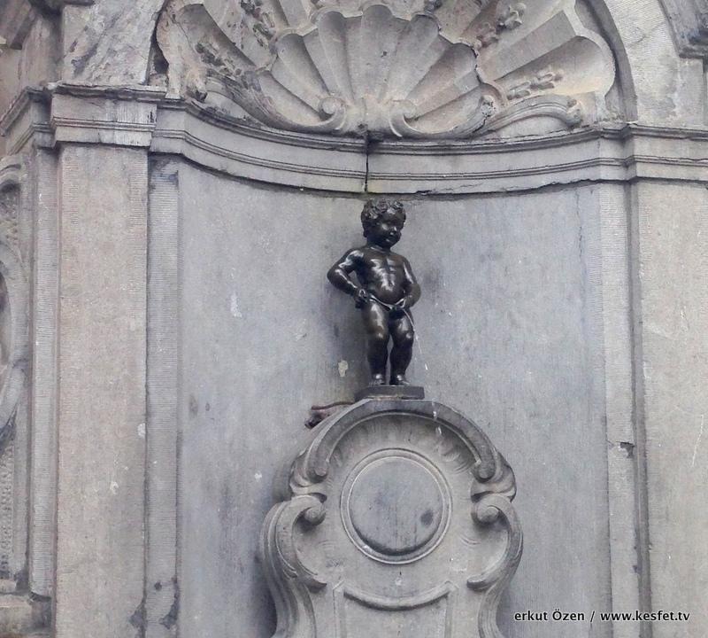 manneken pis kedi tombili heykeli