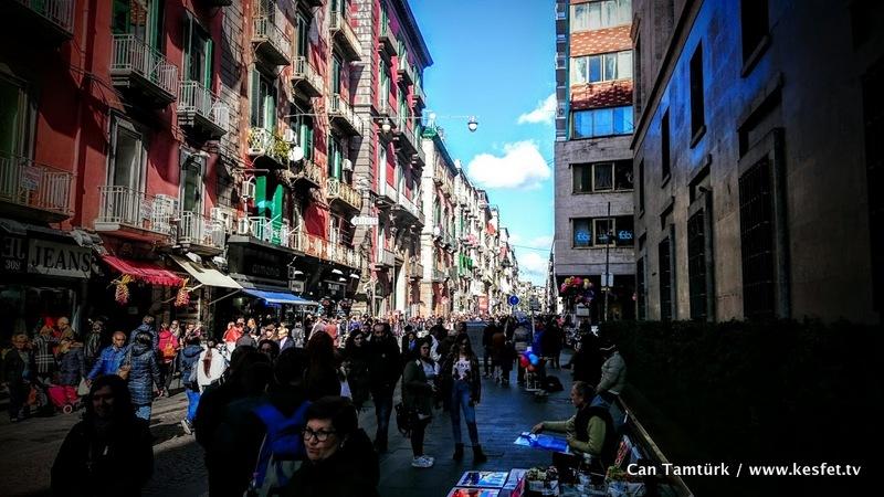Napoli Gezisi