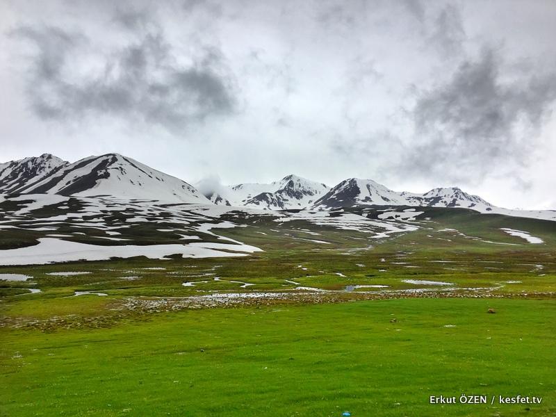 Kırgızistan Gezisi dağlar