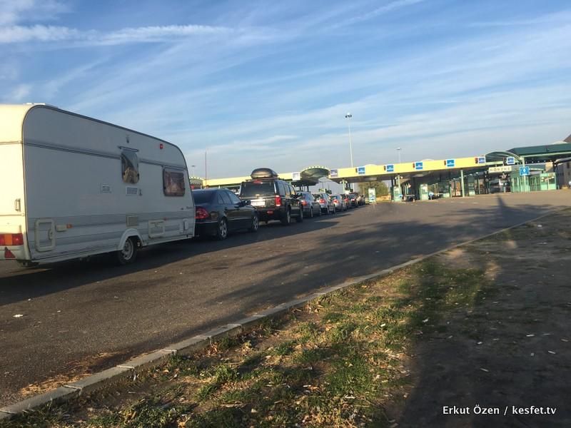 Otobüsle Orta Avrupa Turu Sınır Geçişi