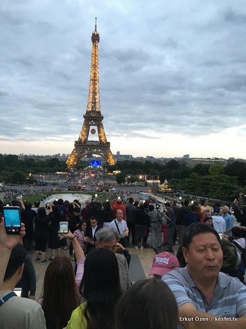 Paris gezi rehberi eyfel fotoğrafı