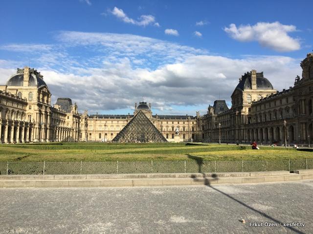 Paris gezi rehberi louvre