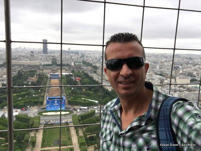 Paris Tur Rehberi Erkut Özen