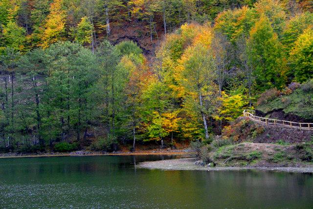 Sonbahar Kamp Alanları Ulugöl