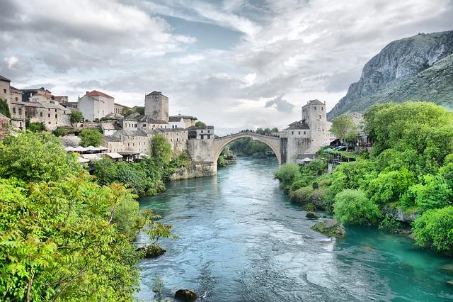 En Ünlü Köprüler Mostar Köprüsü