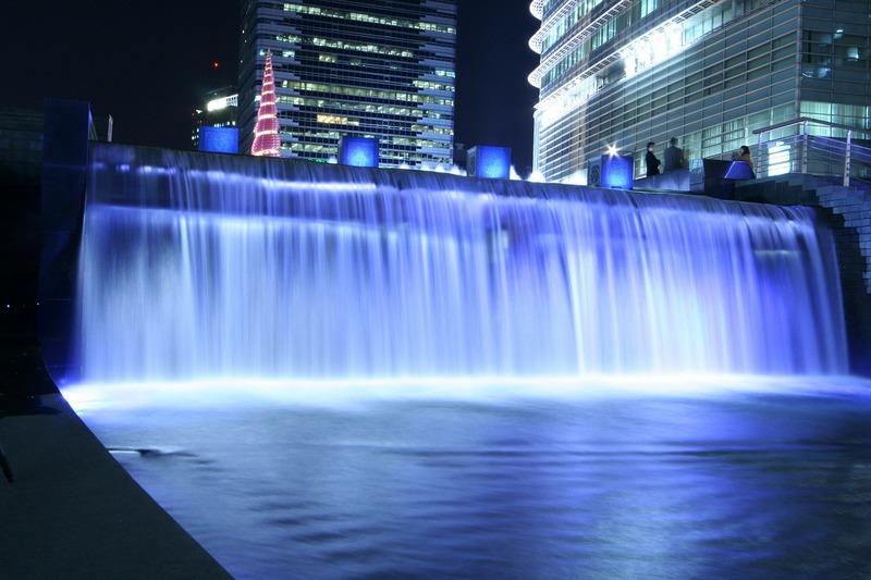 Cheonggyecheon Nehri gece