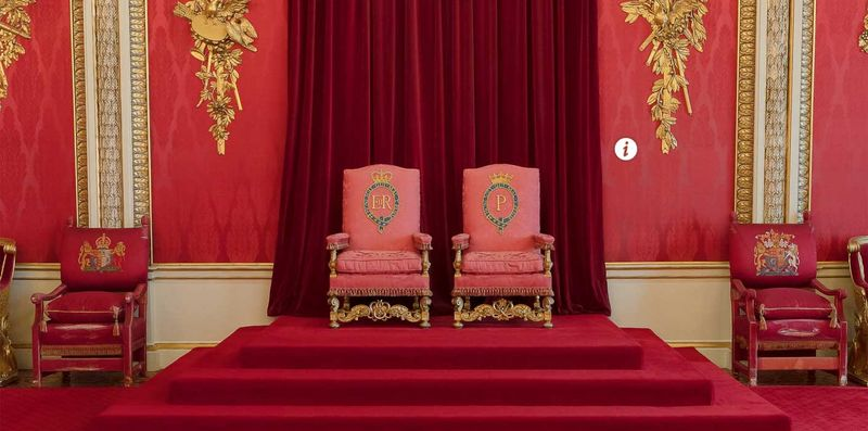Buckingham Sarayı Taht