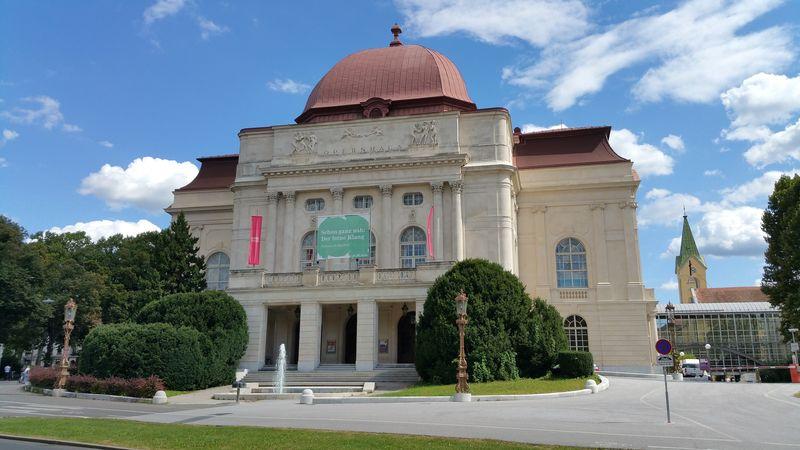 Graz Opera House Binası