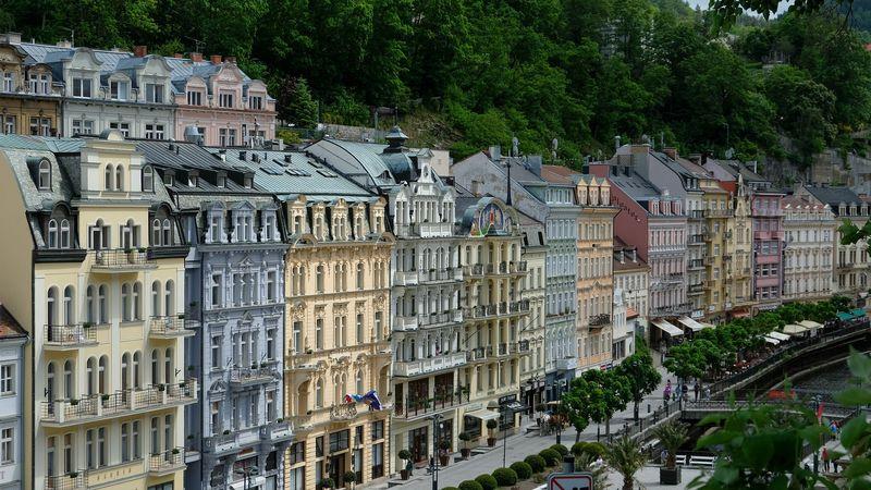 Karlovy Vary gezilecek yerler